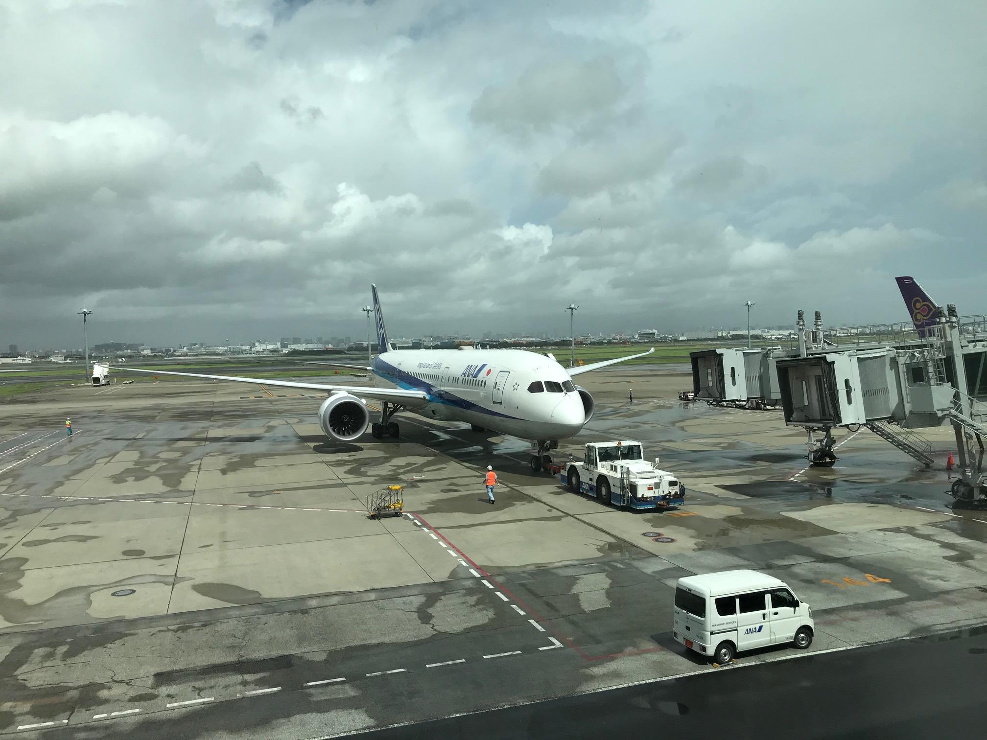 NH841 シンガポール行き