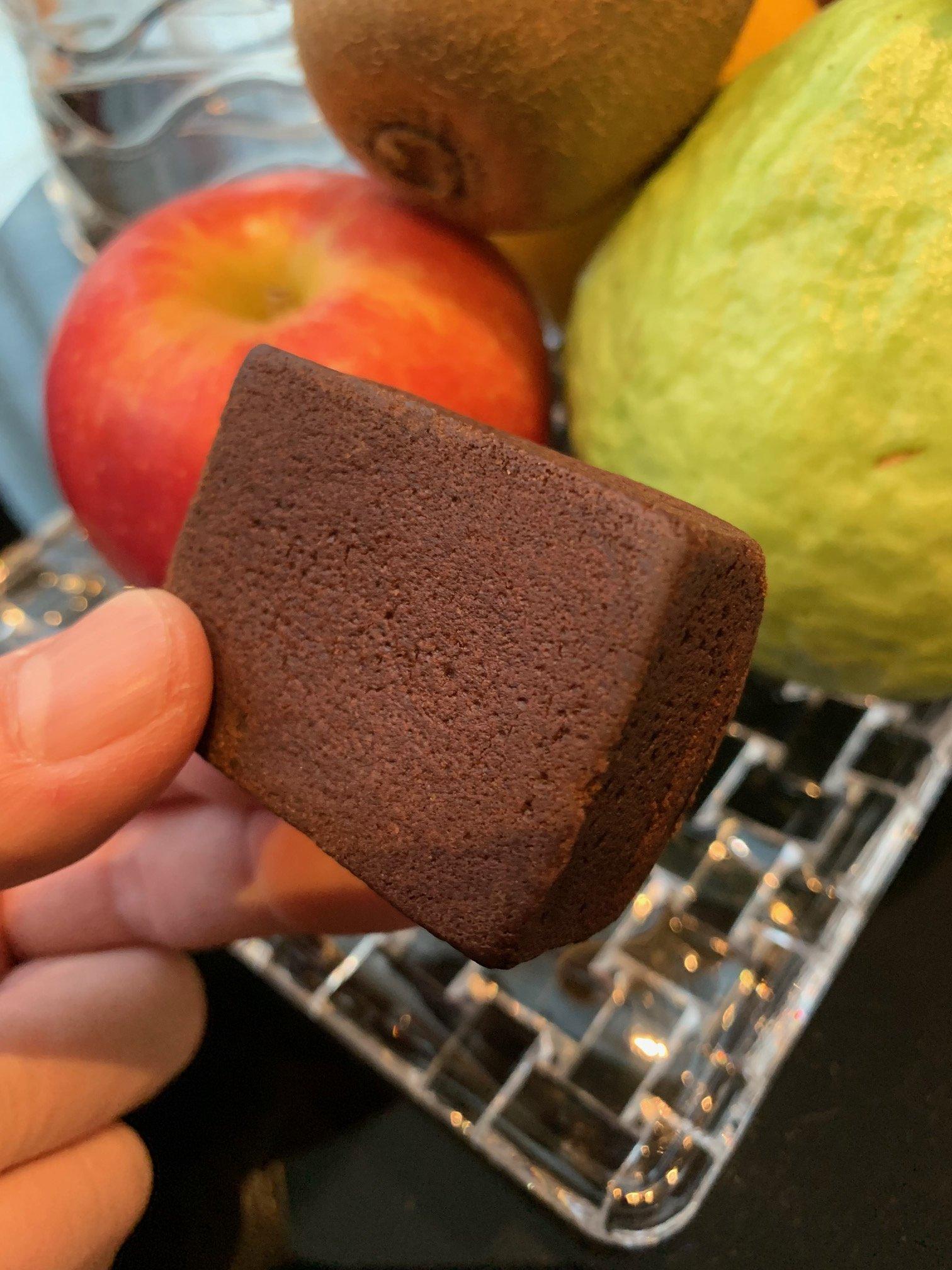 チョコレートパイナップルケーキ